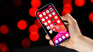 iPhone 11 (Apple)