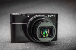 Cyber-shot RX100 Mark VI (Sony)