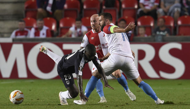 VIDEO. Ligue Europa: la frappe exceptionnelle qui a fait plonger Bordeaux au Slavia Prague