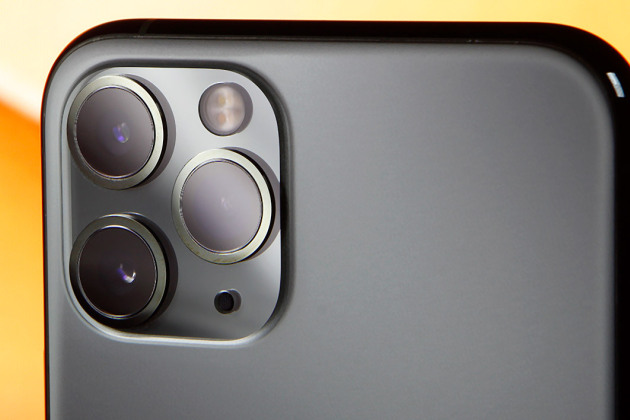 Le triple module caméra de l'iPhone 11 Pro.