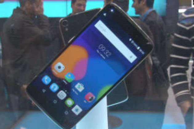 MWC 2015 : Alcatel Idol 3, le smartphone réversible