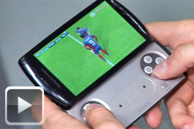 Le smartphone-console Sony Ericsson Xperia Play en action