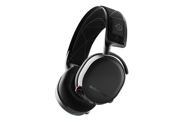 purchase-gallery-arctis-7-2019-black-hero.png__1850x800_q100_crop-scale_optimize_subsampling-2.png