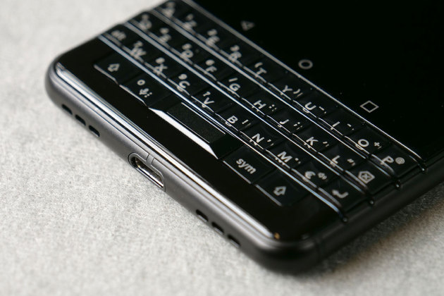 Le BlackBerry KEYone Black Edition