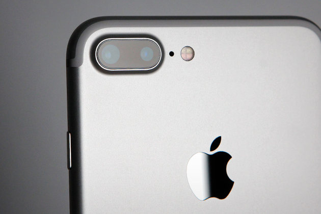 Apple-iPhone-7-plus-photo2.jpg
