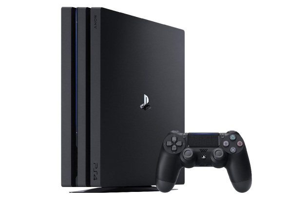 Black Friday : la console Sony PS4 Pro 1 To à 300 euros