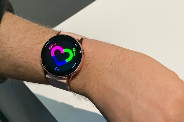 Samsung lance la Galaxy Watch Active et deux bracelets connectés