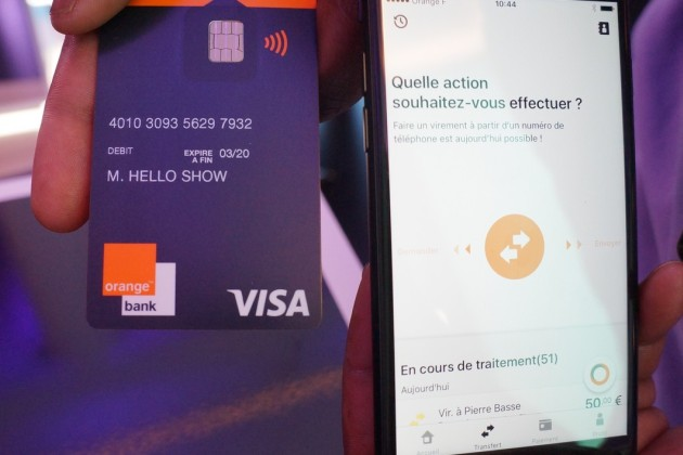 La carte et l'application Orange Bank.