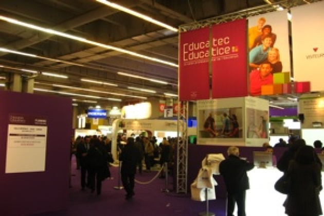 Salon Educatec : un tableau blanc interactif multi-touch