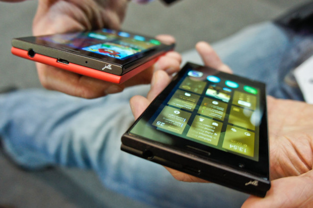 MWC 2014 : Le smartphone Jolla expose l'ergonomie originale de son interface