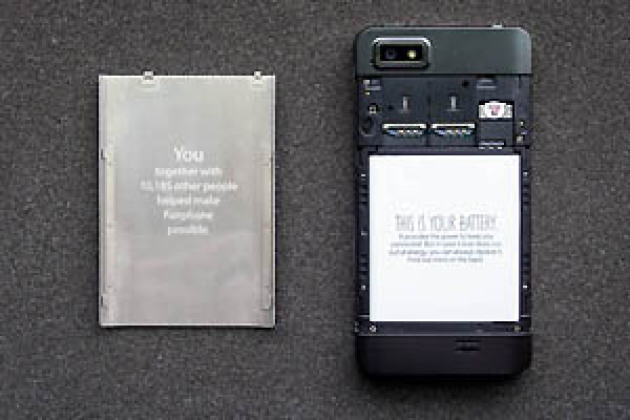Fairphone (2/3) : exclusif, le premier déballage français du Fairphone