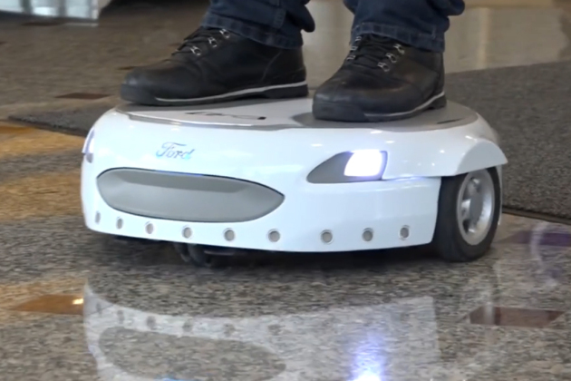 On a testé Carr-e, le surprenant hoverboard de Ford