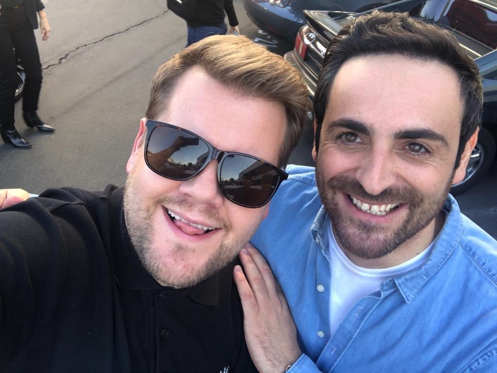 "Carpool Karaoké: Camille Combal prend un selfie avec son ""nouveau best friend"" James Corden"