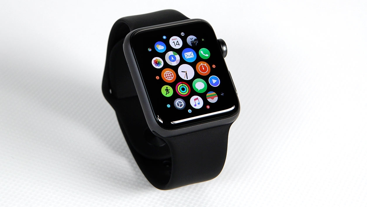 l apple watch 3 pourrait tre quip e d une connexion 4g. Black Bedroom Furniture Sets. Home Design Ideas