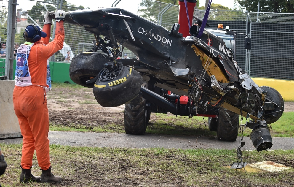 F1 : les images du crash d'Alonso au GP d'Australie