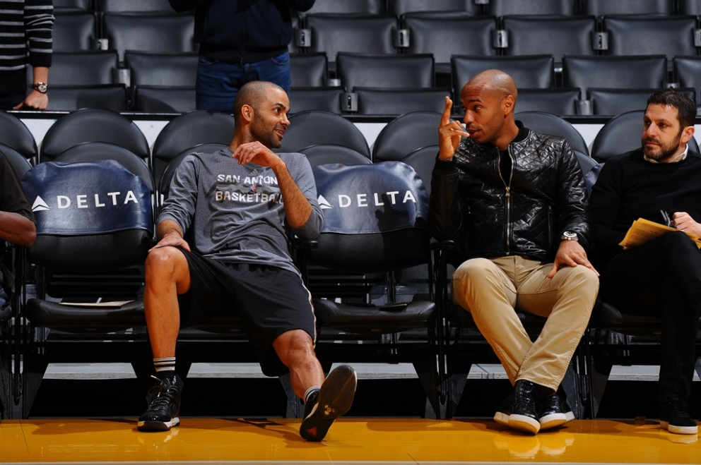 Mayweather, Parker, Bryant… Thierry Henry s'éclate à Los Angeles