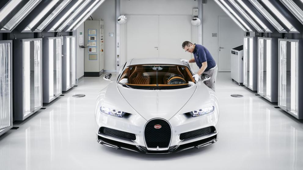 Bugatti Chiron: comment fabrique-t-on une supercar à plus de 2 millions d'euros?