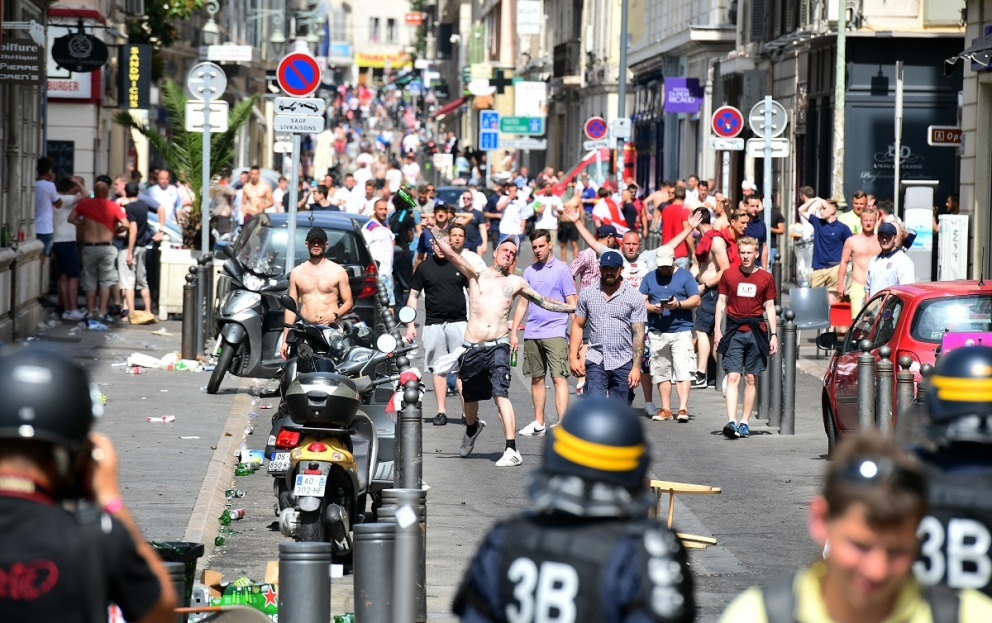 Euro 2016 : les graves incidents à Marseille en images