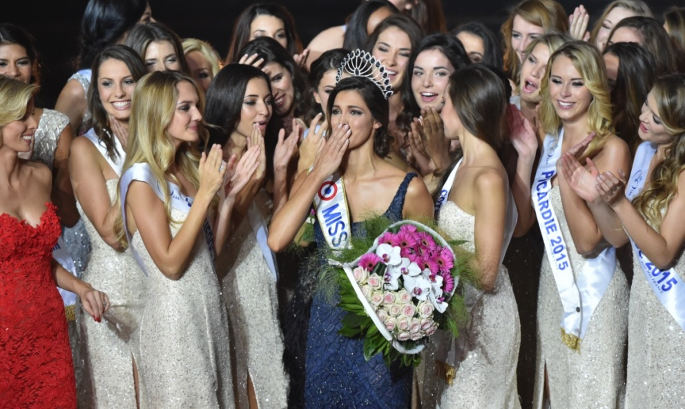 Miss France 2016: revivez le sacre d'Iris Mittenaere en images